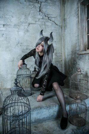 月の悪魔あるいは女神 model:とめとさん_3