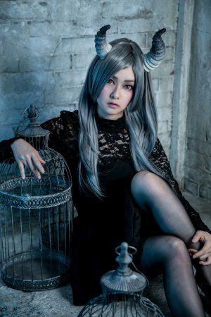 月の悪魔あるいは女神 model:とめとさん_4